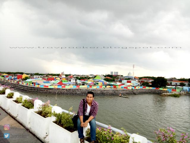 Kampung warna warni surabaya