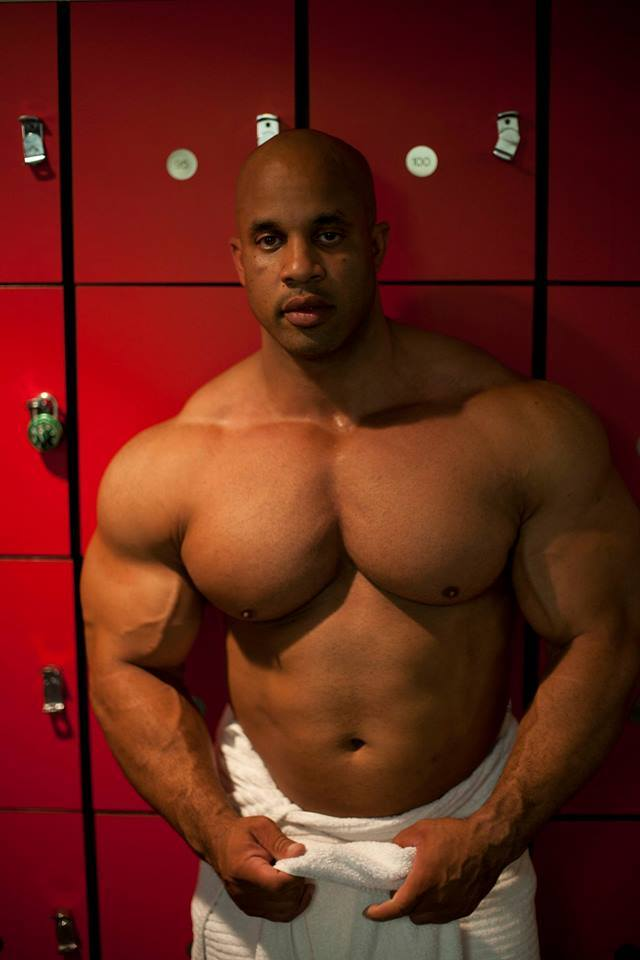"Muscle Lover: IFBB Pro Victor ""The Dominican Dominator ..."
