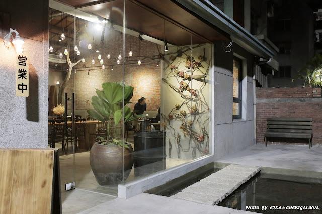 MG 0344 - 全台最美刈包店!商圈內超隱密深夜咖啡廳新開幕,迷路是正常,順利找到是幸運啊!