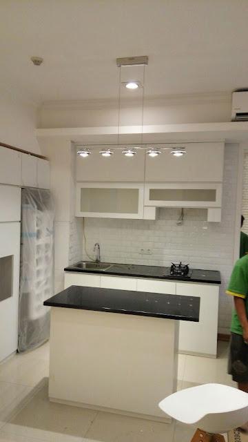Gambar Kitchen Set Minimalis Apartemen Ambasade Mega Kuningan