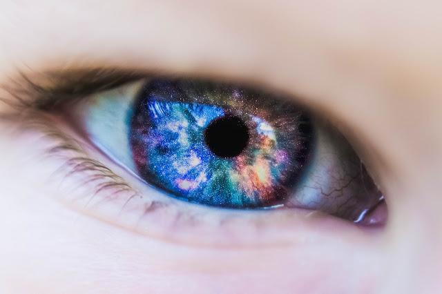 6 Cara Memakai Lensa Kontak Yang Baik Dan Benar