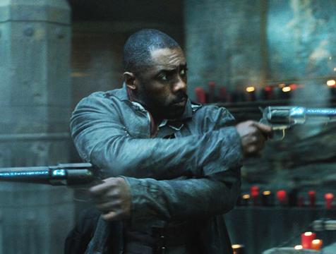 Roland Deschain (Idris Elba) en La Torre Oscura - Cine de Escritor