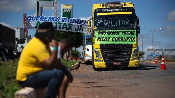 Gobierno de Temer amenaza con multar a camioneros huelguistas