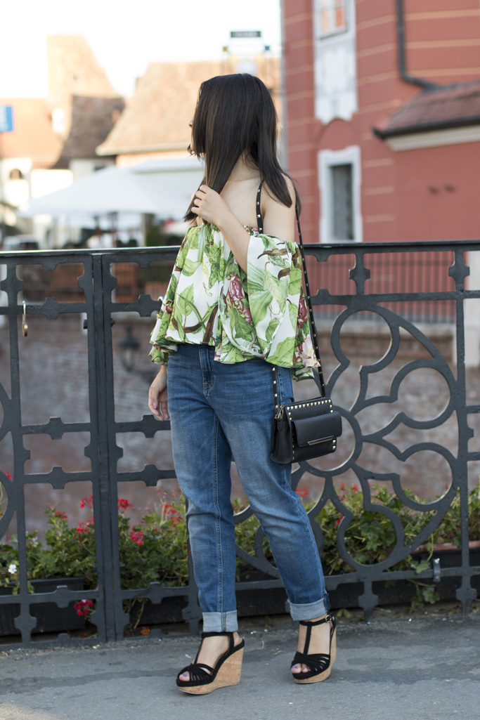 boyfriend jeans and off the shoulder top