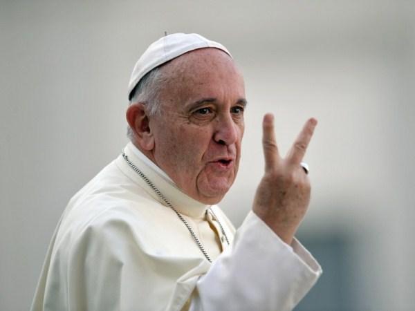 La iglesia debe pedir disculpas por haber bendecido tantas armas: Papa Francisco