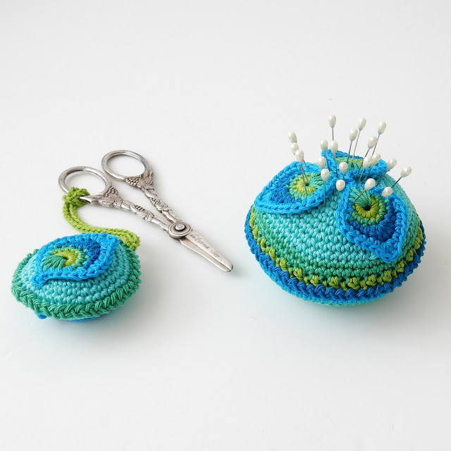crochet pattern pincushion scissors fob thecuriocraftsroom the curio craftsroom