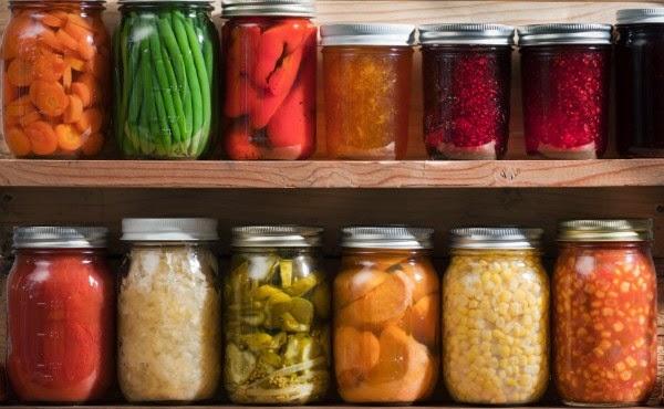 La despensa de una familia vegetariana sencilla