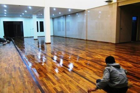 lantai kayu bali