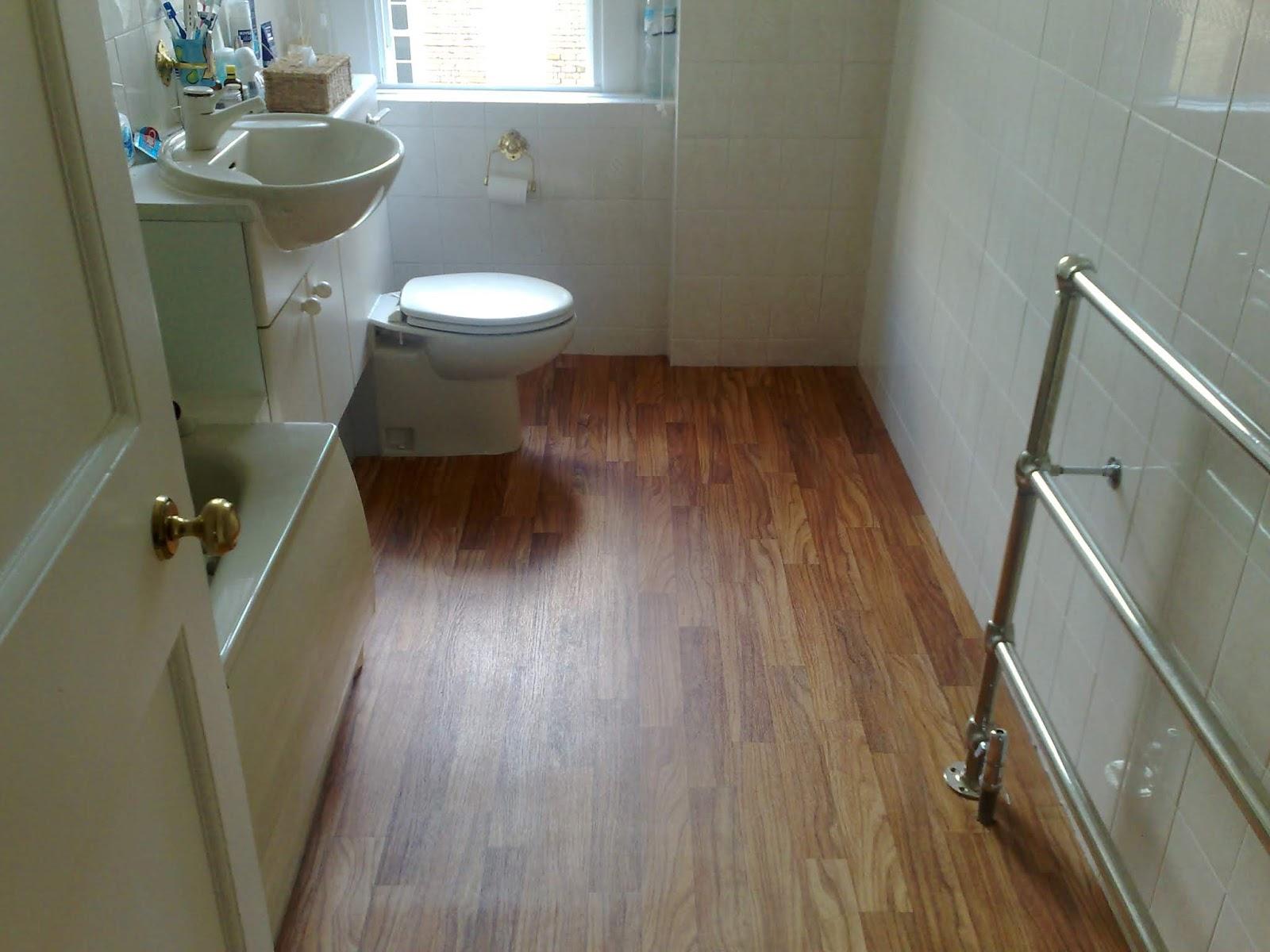+55 Modern small bathroom design makeover ideas 2019 on Small Bathroom Remodel Ideas 2019  id=53755