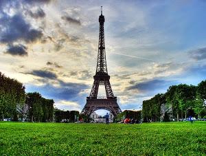 Menara Eiffel - Tour Eropa