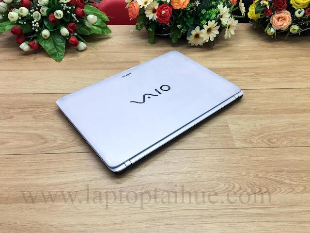 Sony SVF152 i5 4210u-4Gb-SSD 128Gb-15,6-Vga 2GB