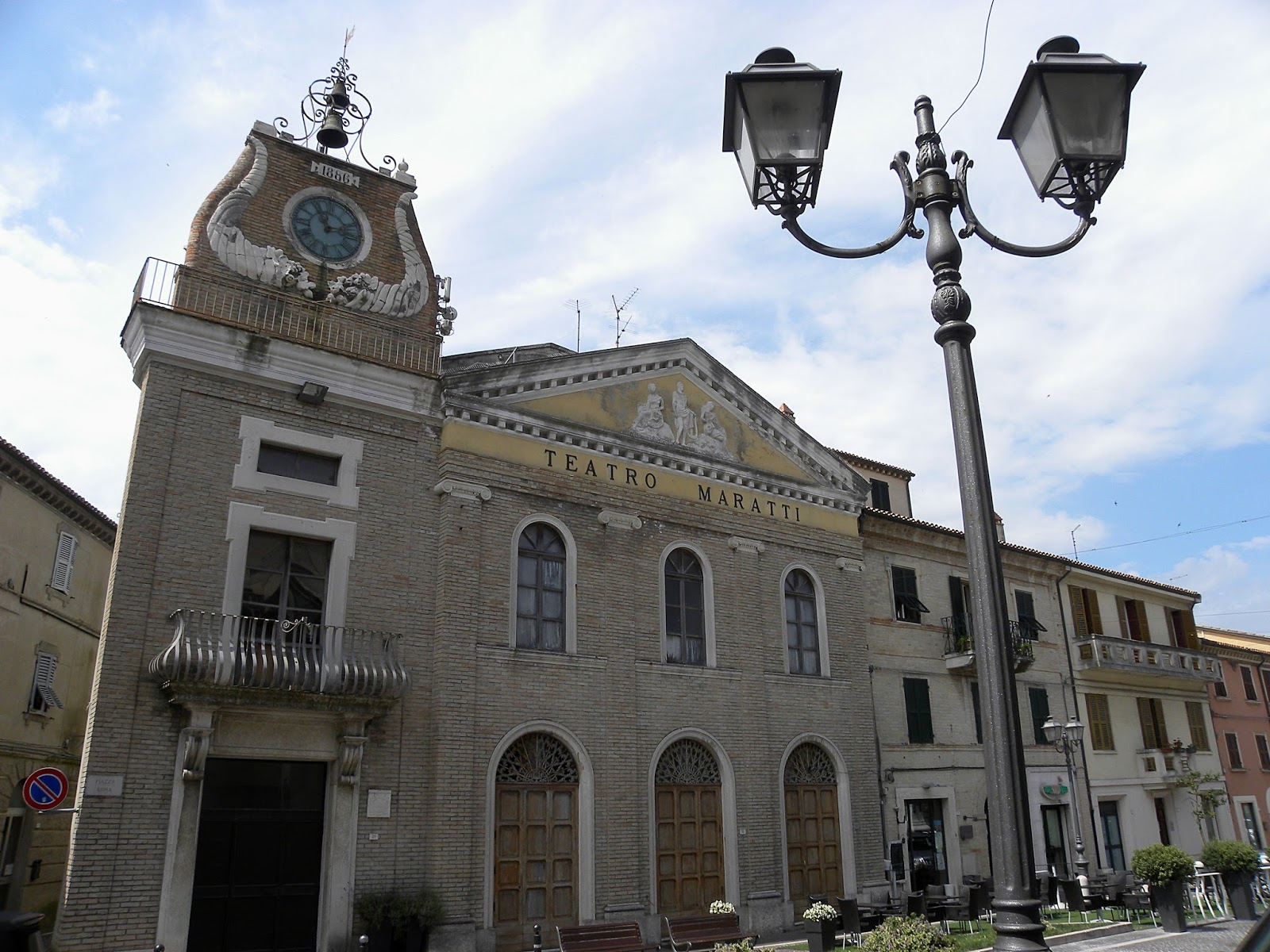 Al Giardino Ancona camerano ( an ), terra del rosso conero - the marche