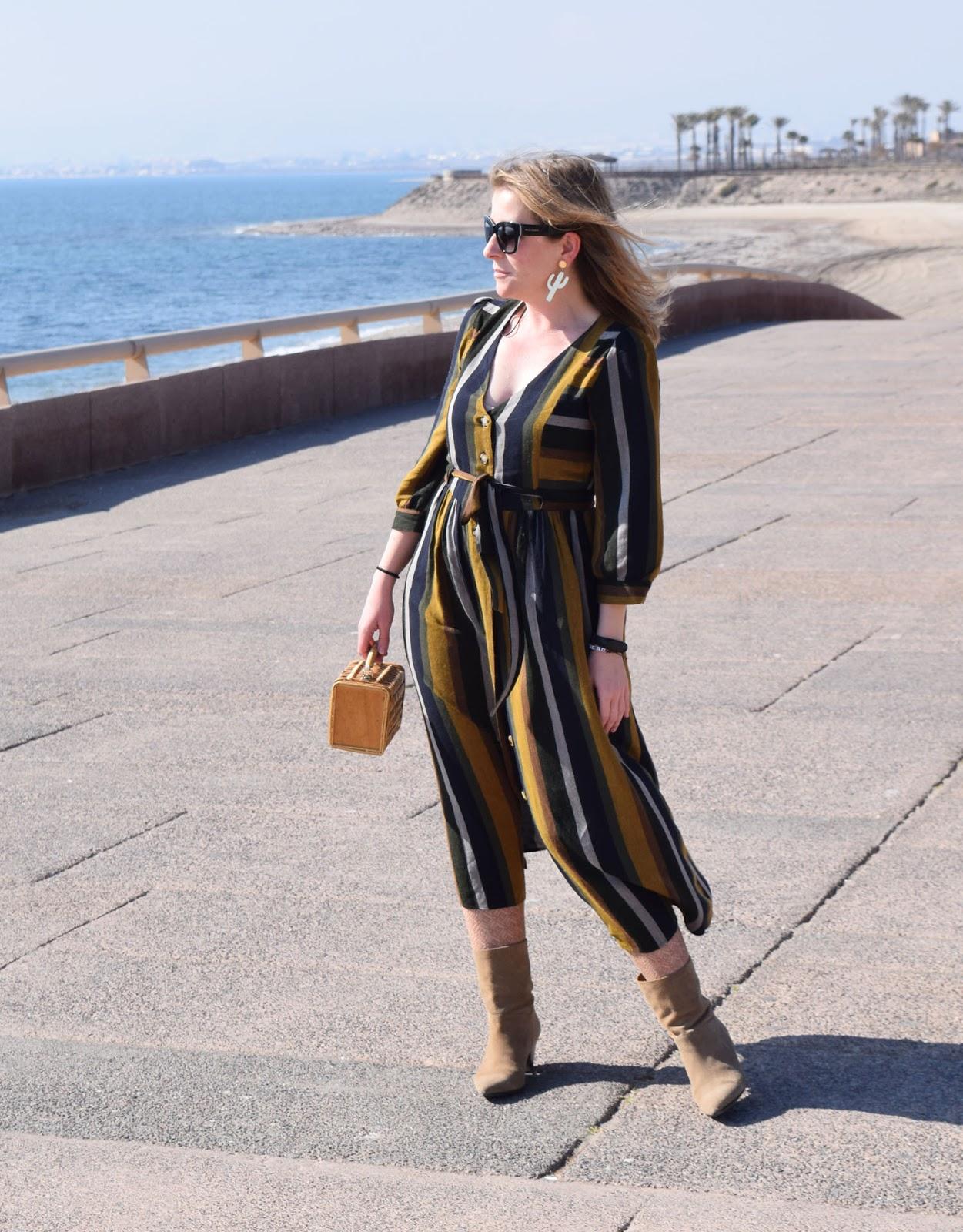 Vestido_rayas_con_botines