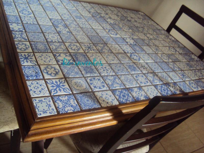 Re inventos reforma de mesa de madeira com azulejos - Mesas de azulejos ...
