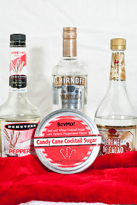 candy cane martini, christmas cocktail, vanilla vodka, white creme de cacao, peppermint schnapps