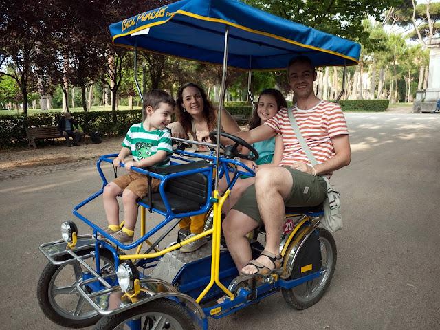 Carrito de bici en Villa Borghese