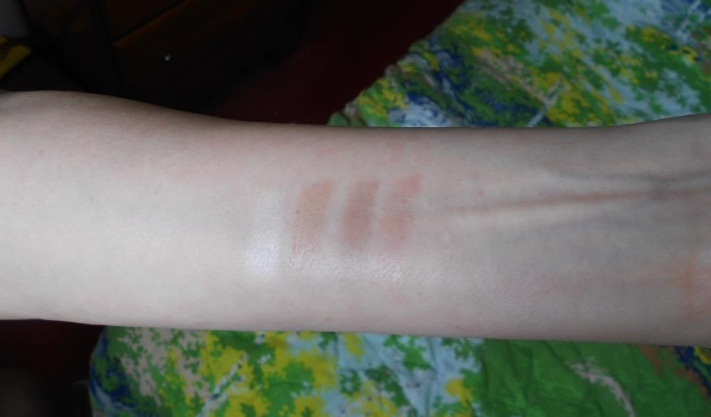 swatches of Rouge Bunny Rouge Raw Garden Eye Shadow Palette 086 Antigo.jpeg