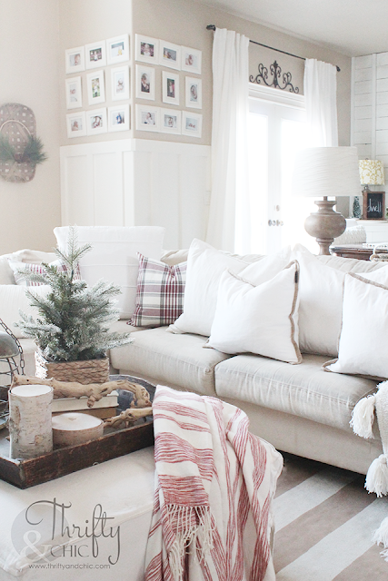 Farmhouse Christmas decor and decorating ideas. Neutral Christmas decor. Living room Christmas decor. White and burlap Christmas tree. Christmas cottage decor