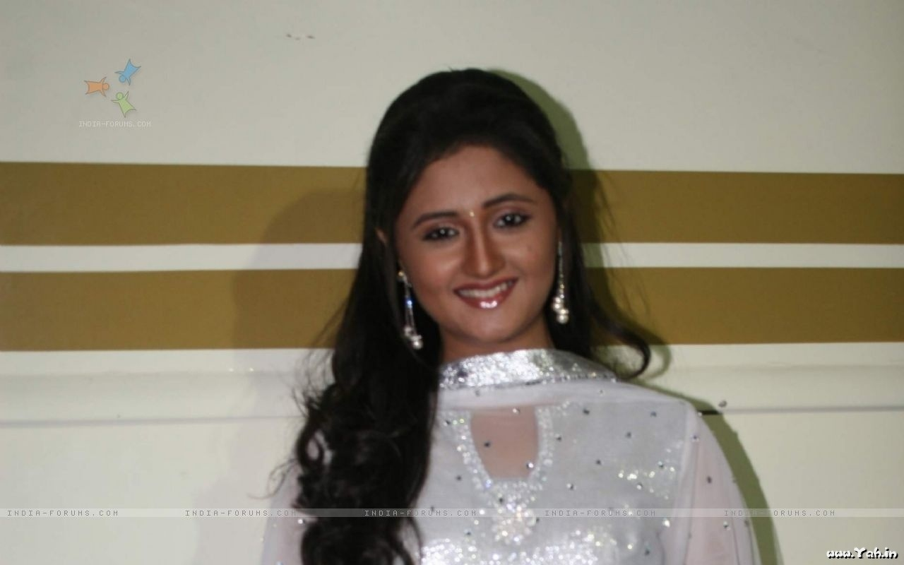 Hindi Tv Serial Actress Rashmi Desai Cute Photos -Sa -4184