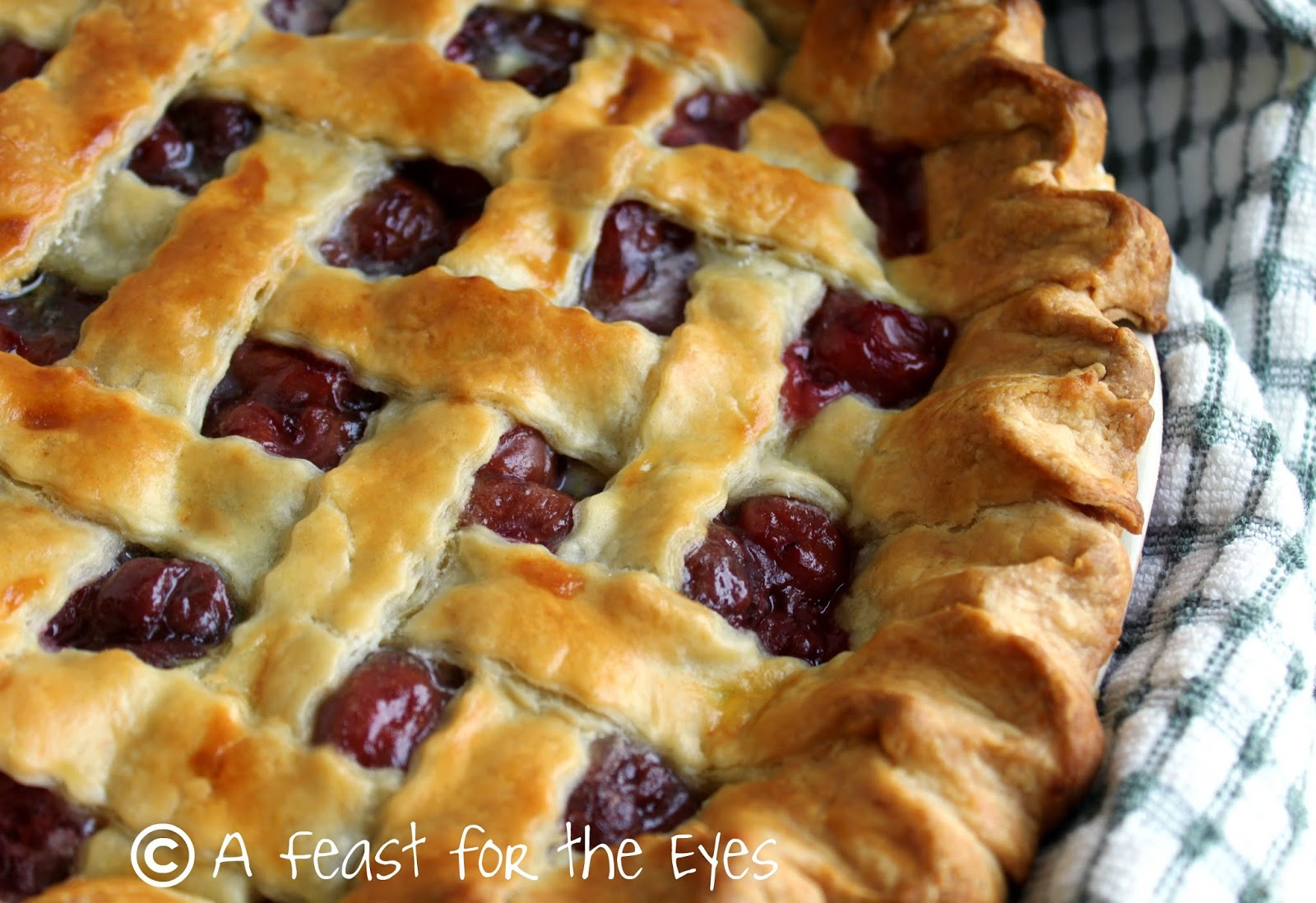 Feast for the Eyes: Incredible Cherry Pie!
