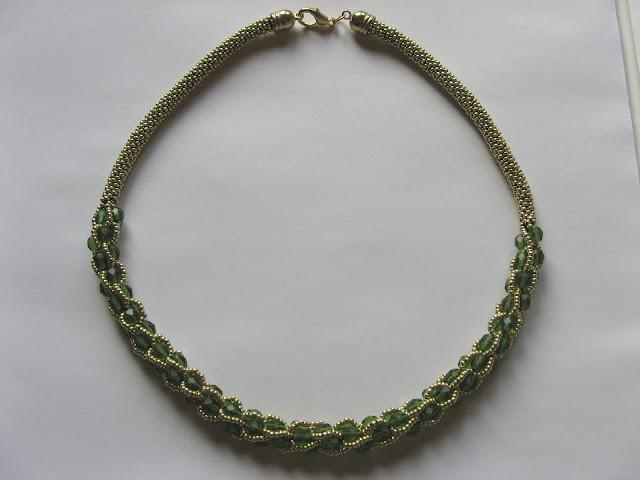 Złoto-zielony naszyjnik
