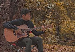 Rayn Wijaya Main Gitar