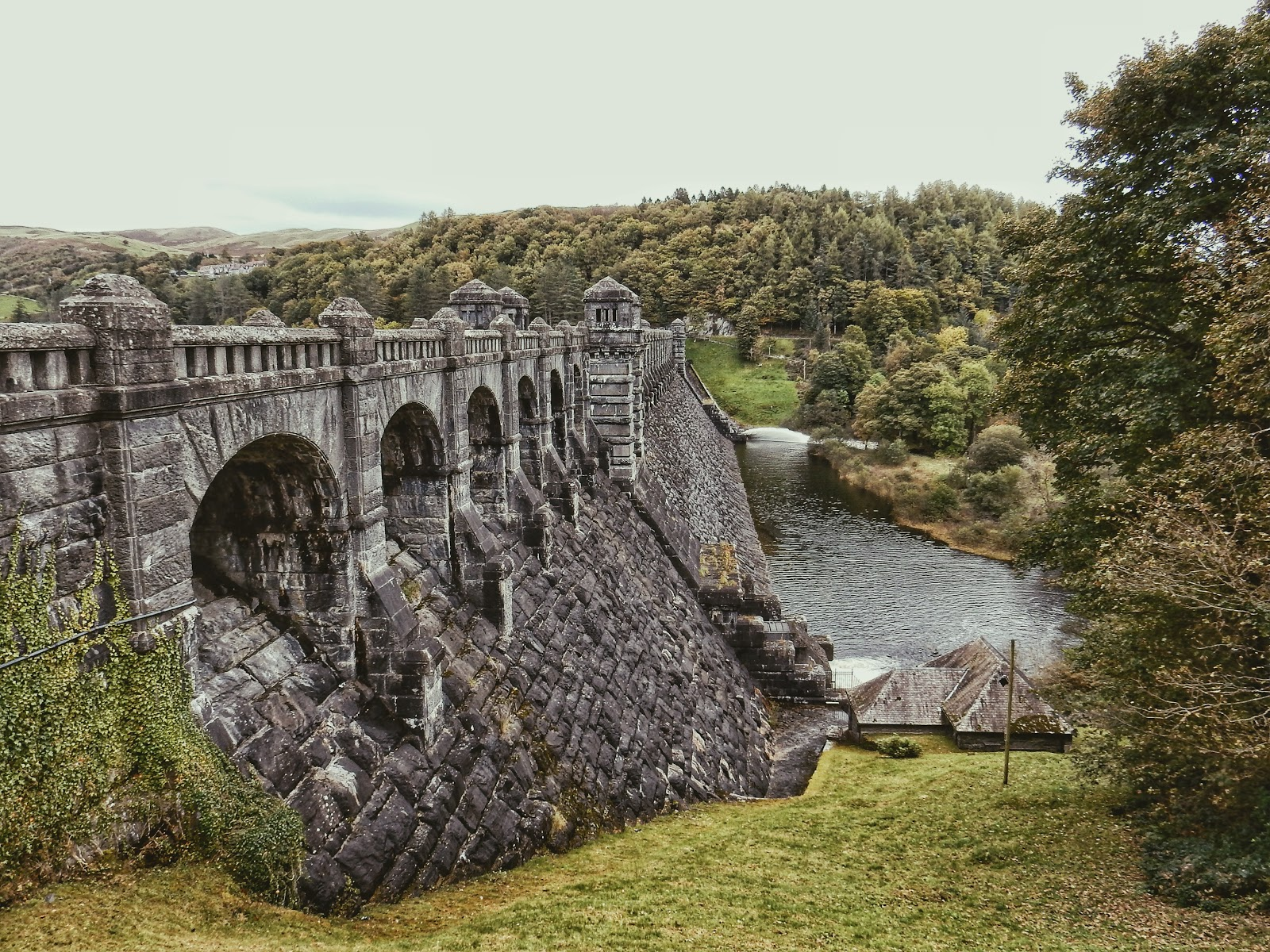wales attraction dam