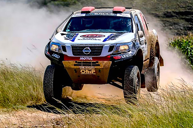 Red Line Nissan Navara Preview-928x522