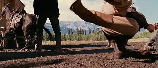 Escena de tiroteo en la película Open Range