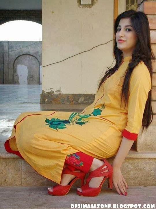 Pakistani Girls Back Pics