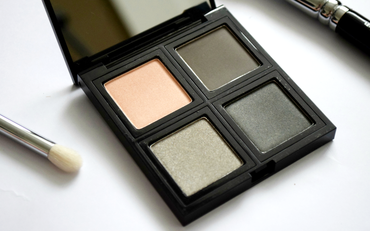 The Body Shop Down to Earth Eye Palette Review Smoky Grey