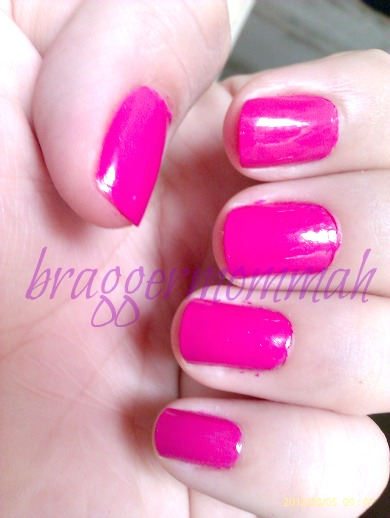 b3174ae21947b Application was a breeze. It has a perfect texture and goes on opaque even  at only two coats. In my opinion this is a mixture of colors between  fuchsia