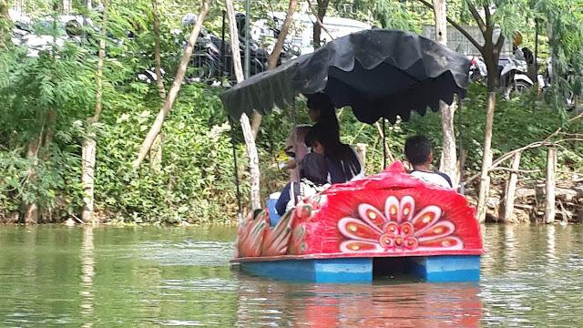 Wahana perahu Kano dan perahu bebek wisata wego Lamongan