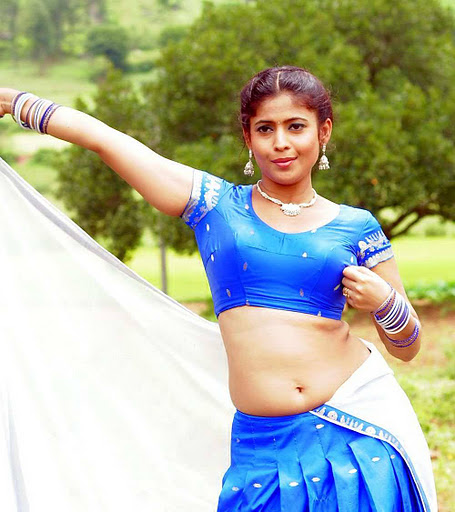 Saira Bhanu Hot Navel Show Photos In Saree