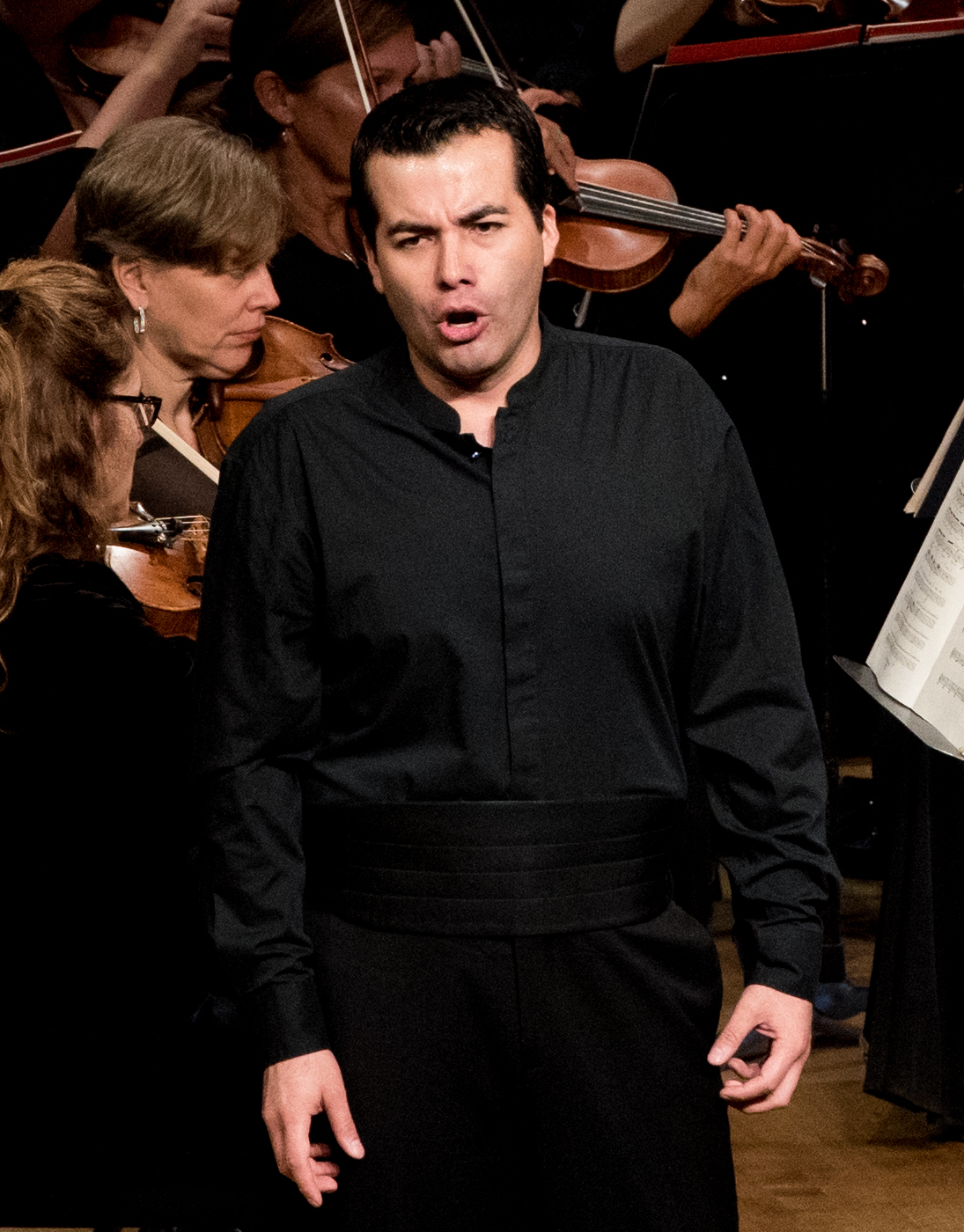 IN REVIEW: Baritone JAVIER ARREY singing Riccardo's 'Ah, per sempre io ti perdei' from Vincenzo Bellini's I PURITANI in Washington Concert Opera's 30th Anniversary Concert [Photo by Don Lassell, © by Washington Concert Opera]