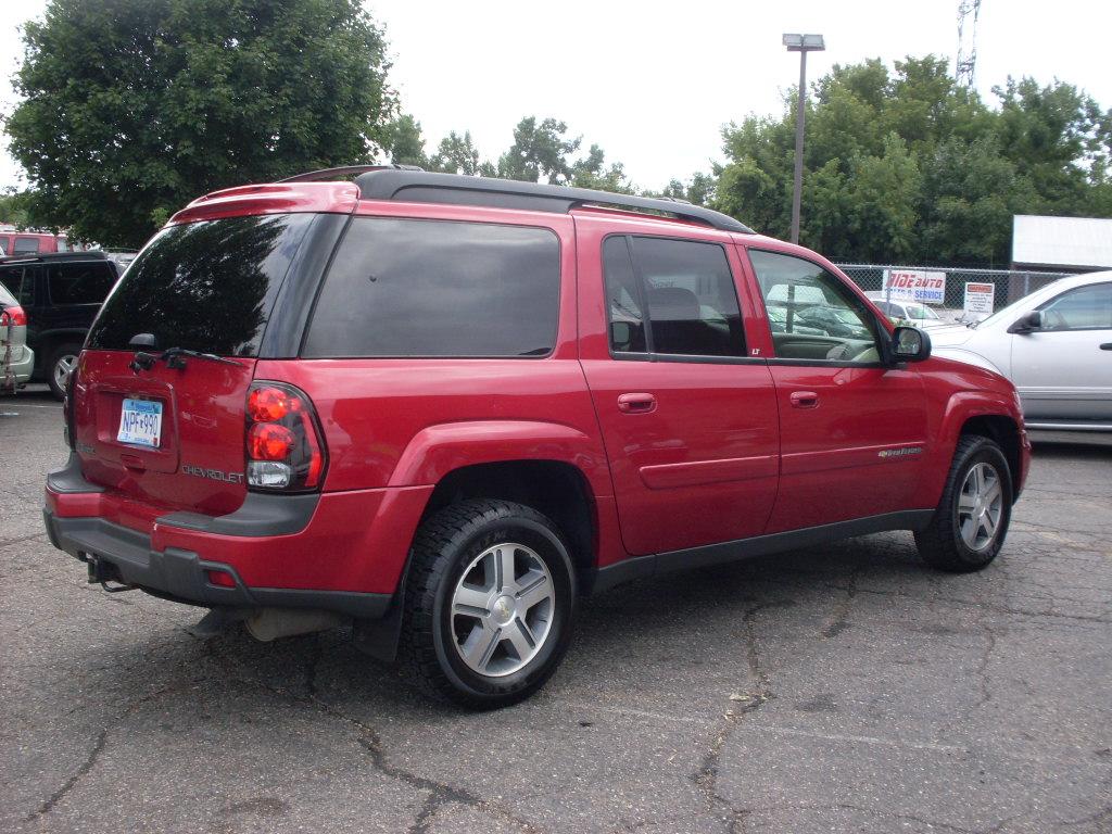 Ride Auto: 2004 Chevrolet trailblazer red