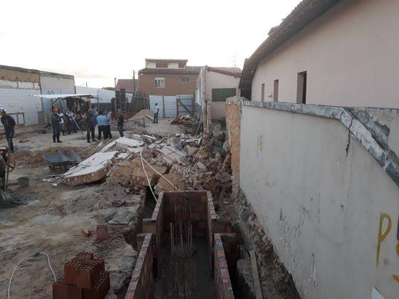Muro desaba e deixa um operário morto e outro ferido no centro de Alagoinhas