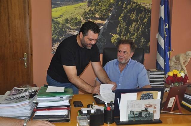 Υπογραφή συμβάσεων υλοποίησης τεχνικών έργων στον Δήμο Φαρσάλων (ΦΩΤΟ)