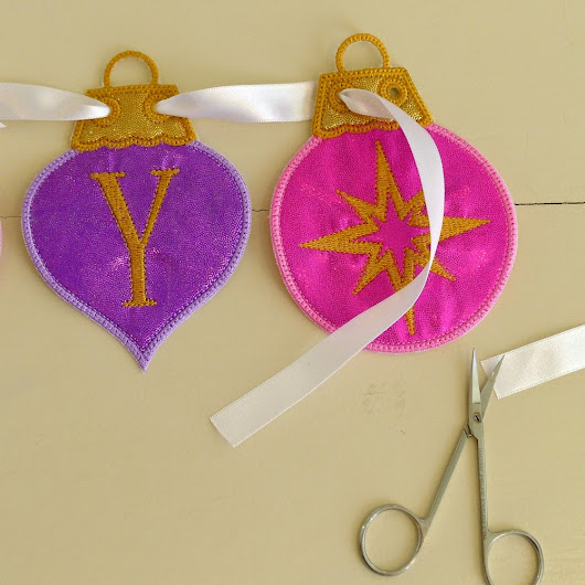 Big Dreams Embroidery: Tutorial - Styling the Christmas Decoration Banner ITH Project.