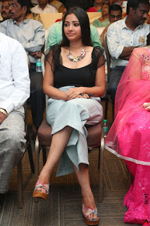Swetha Basu in a Black Sleeveless Top Long Skirt at Mixture Potlam Movie Audio Launch 012.JPG