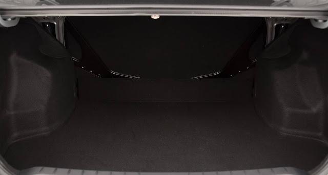 Toyota Etios Sedã 1.5 Automático 2017 - porta-malas