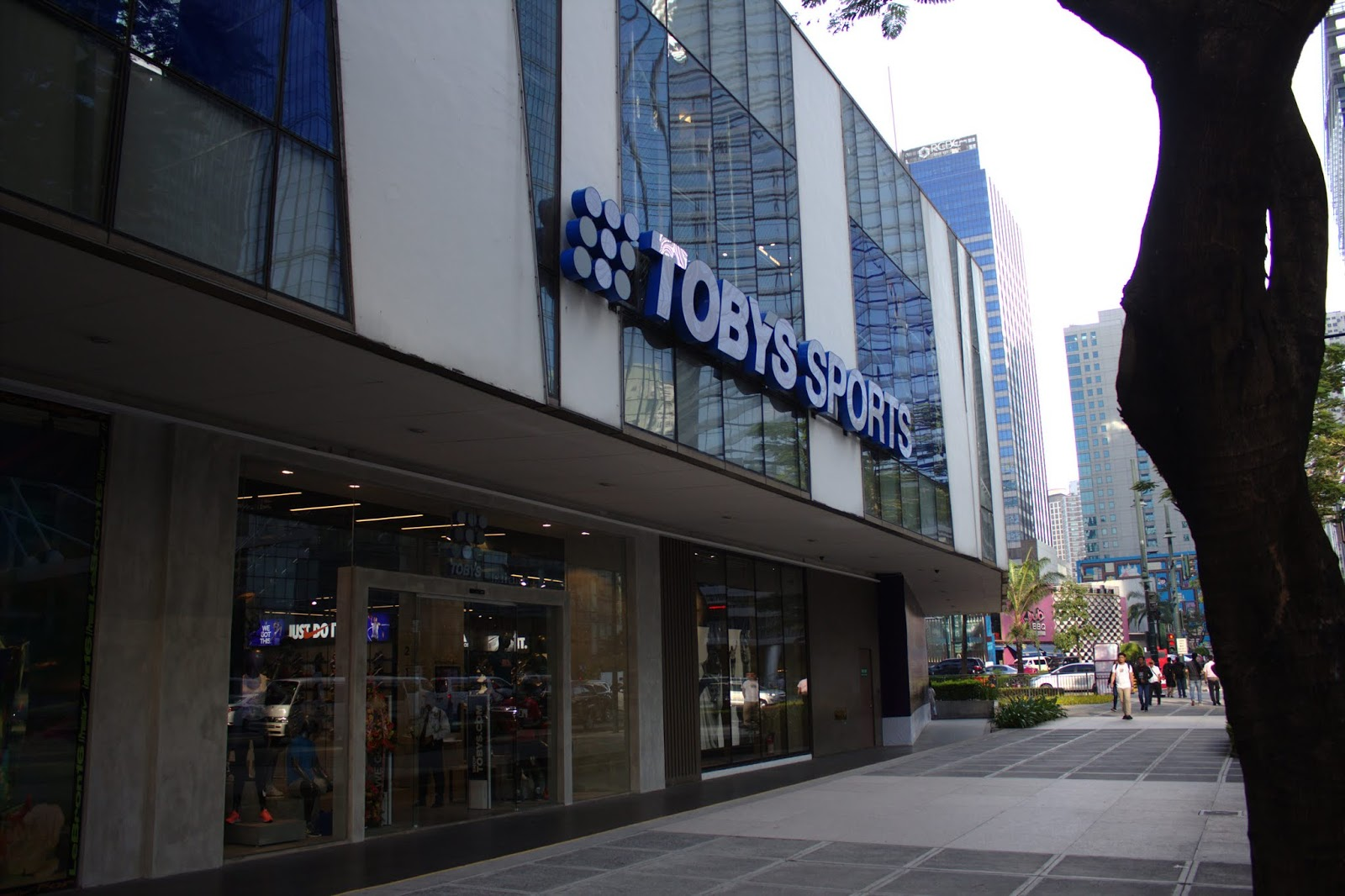 Toby s Sports Opens Flagship Store in BGC 5222b582d5