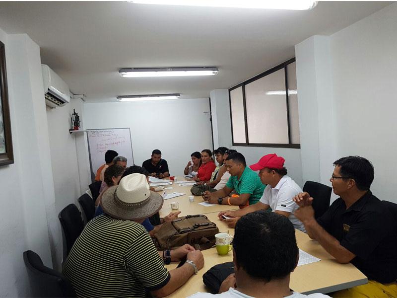 Reunión con comunidades desproregidas por ECP.