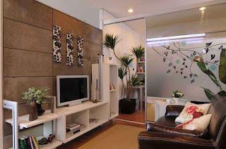 Jenis-desain-ruang-keluarga-dari-kayu-dengan-bentuk-sempit-minimalis
