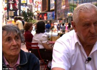 Greta Zimmer y George Mendonsa en Times Square  hace cinco años