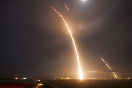 Lanzamiento del Falcon 9. Imagen de dominio público. Autor ORBCOMM-2