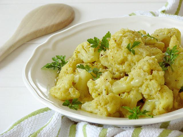 Chou-fleur à la sauce au curry.