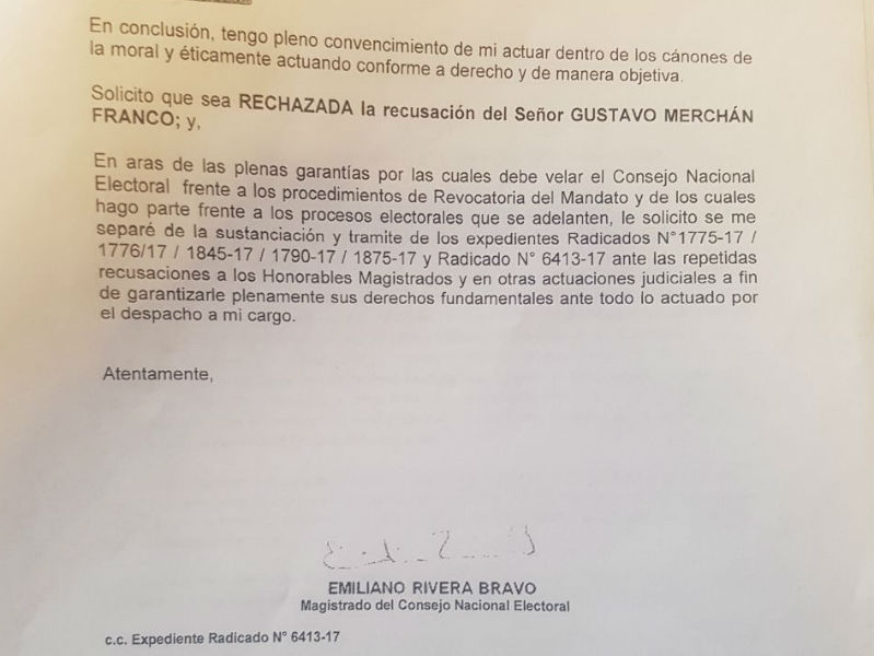 Renuncia el magistrado del CNE Emiliano Rivera Bravo