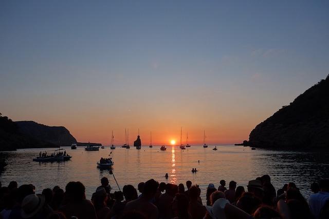 Pôr-do-Sol na Cala Benirràs em Ibiza