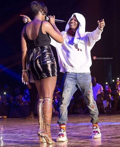 Aunty Tiwasavage  And  Wizkid Have Romantic Time On Stage